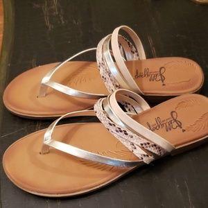 Lollipop Alamoana flat sandals.